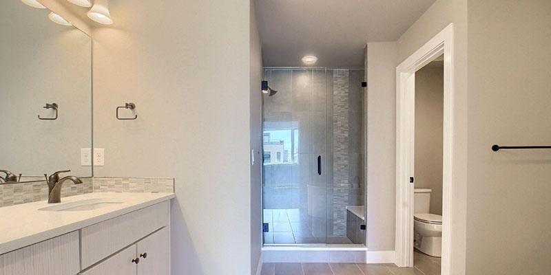 unit-c-05-Master_Bathroom